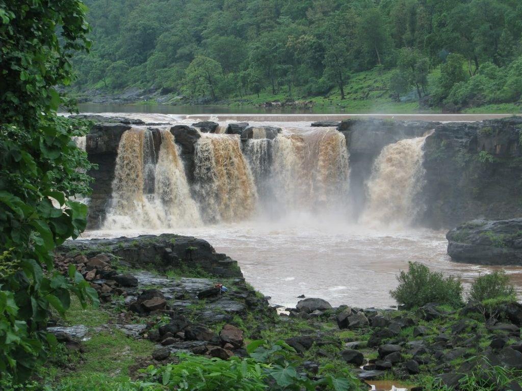 Girafalls-Wanarchod-Waghai-Saputara-Dangs