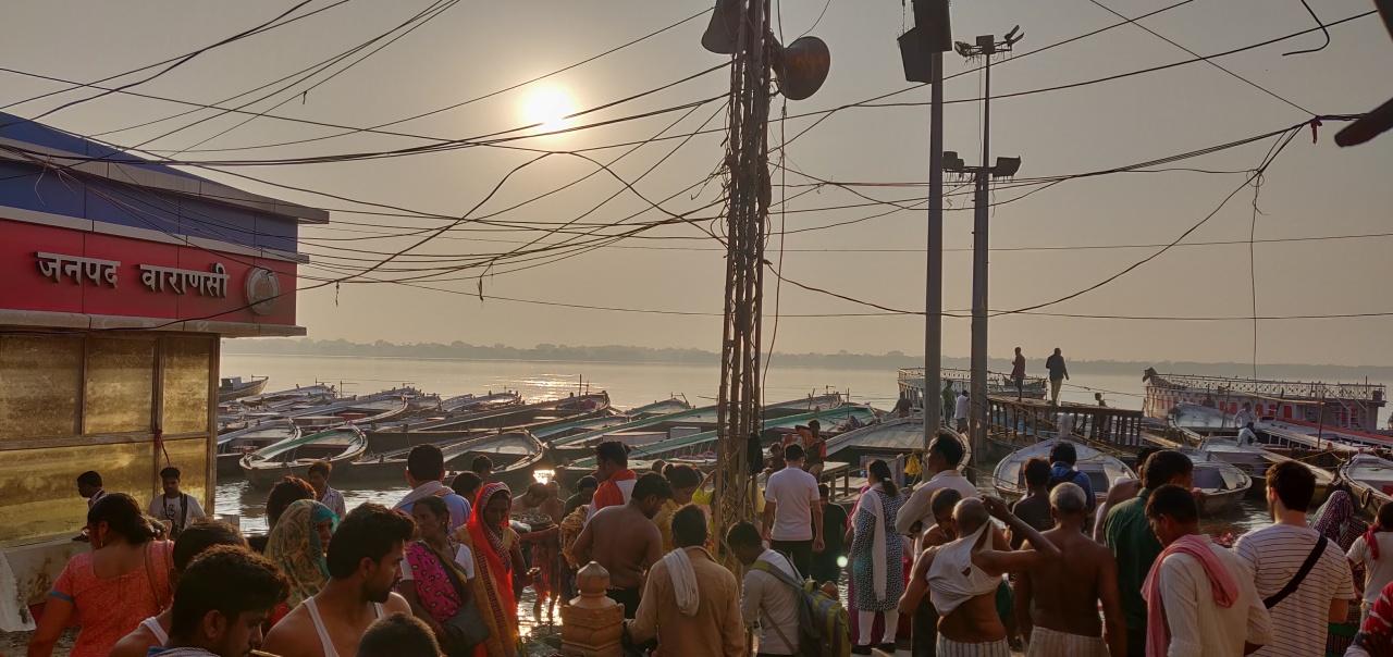 Day 10 : Varanasi –Lucknow